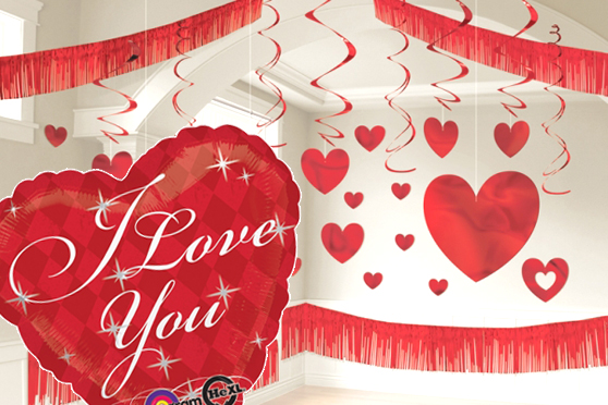 Decoracion san valentin globos de corazones guirnaldas for Decoracion para pared san valentin